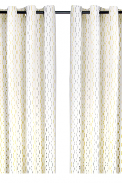 curtains to make a small room look larger