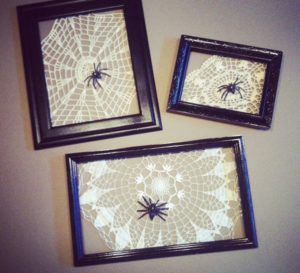 Easy DIY spiderweb frame