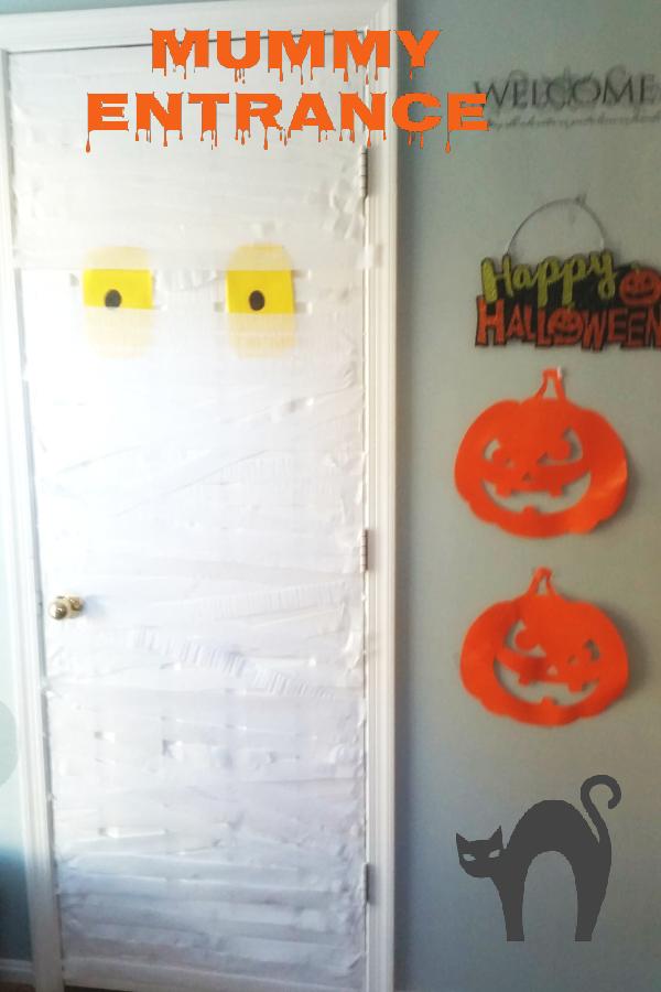 Halloween Mummy Door DIY