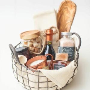 1-Entertainer gift basket idea