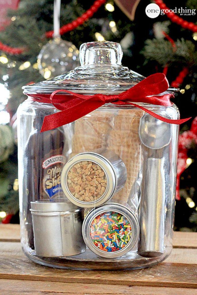 diy-gift-basket-ideas-ice-cream-party-1542394095
